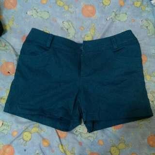 深湖水綠短褲