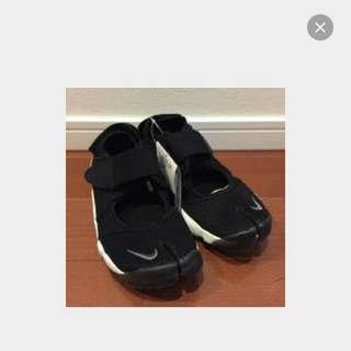 待匯款)Nike 忍者鞋😊😊😊黑