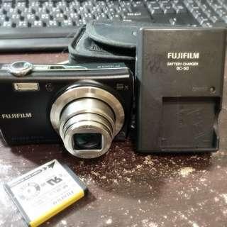 (保留)Fujifilm F100fd 二手 隨身小相機 DC