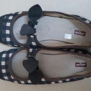 Like New Original Levis Shoes