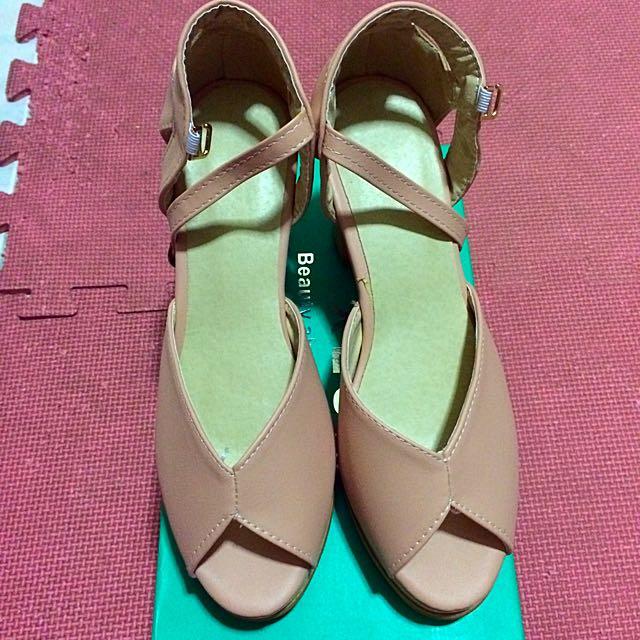2015夏季OL氣質款_6cm粗根包鞋(全新)
