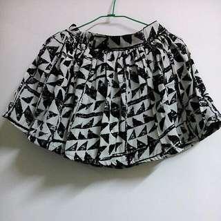 三角圖樣短裙