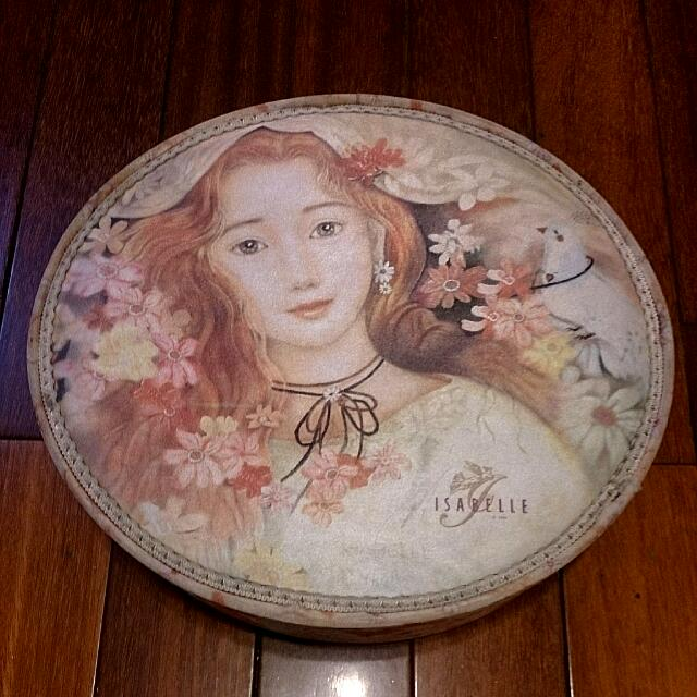 伊莎貝爾蕾絲喜餅盒