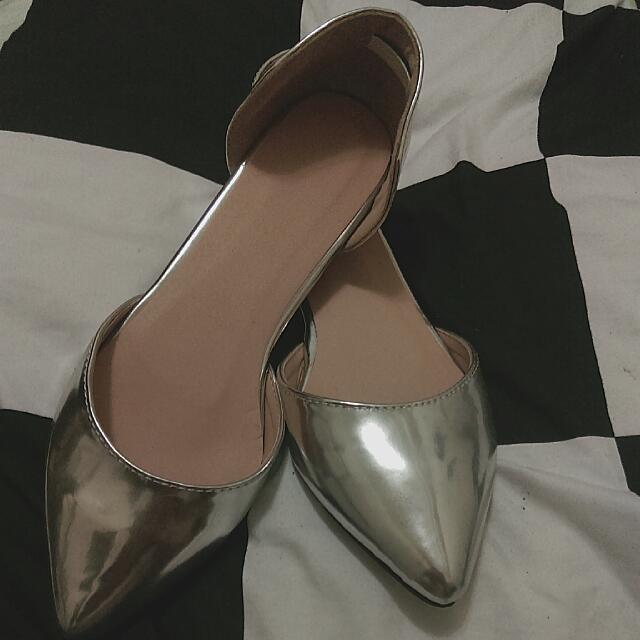 (待匯款)超美銀色平底尖頭鞋 ❤