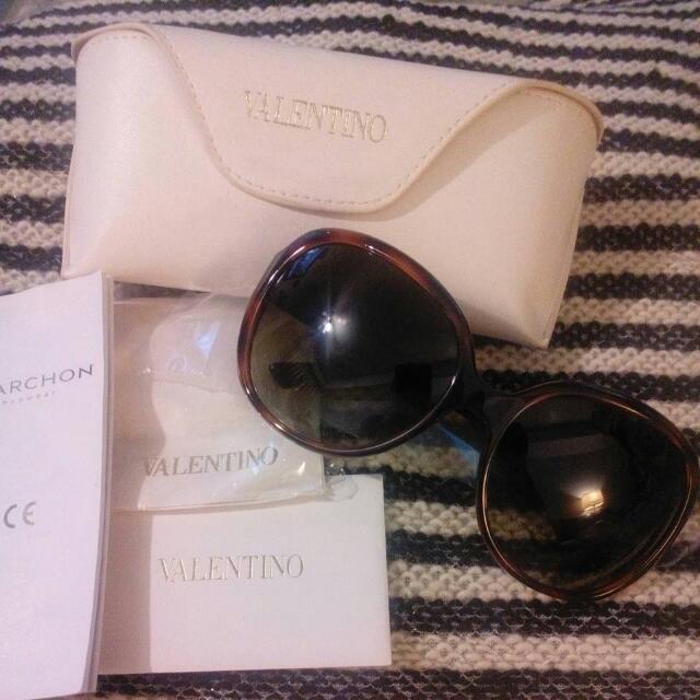 Valentino 全新墨鏡