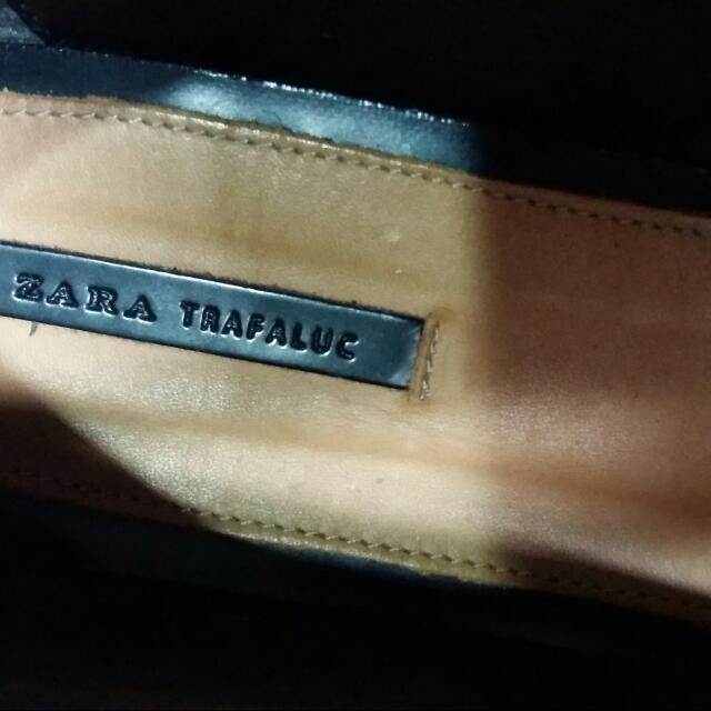 Zara全新黑色漆皮尖頭平底鞋