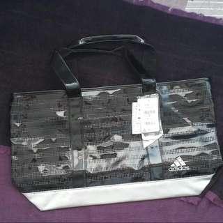 全新 Adidas 漆皮黑銀大包