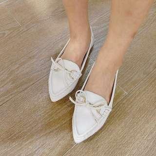 韓國真皮質感蝴蝶結尖頭白鞋