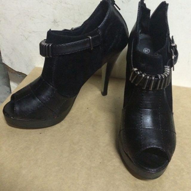 全新黑色個性踝靴
