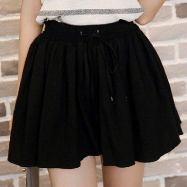 褲裙 -百搭純色 鬆緊腰 綁帶 寬鬆 休閒蓬蓬裙褲 / 綁帶短褲 白色 / 黑色