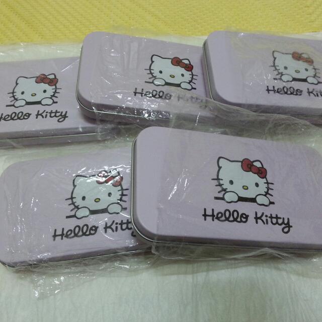 HELLO KITTY化妝彩妝刷具組 熱銷!!