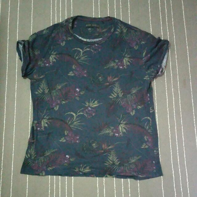 Preloved BERSHKA TEES (Size: XL)