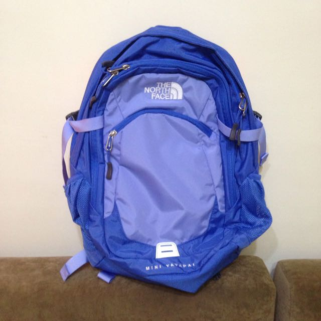 The North Face 21L 13吋電腦背包