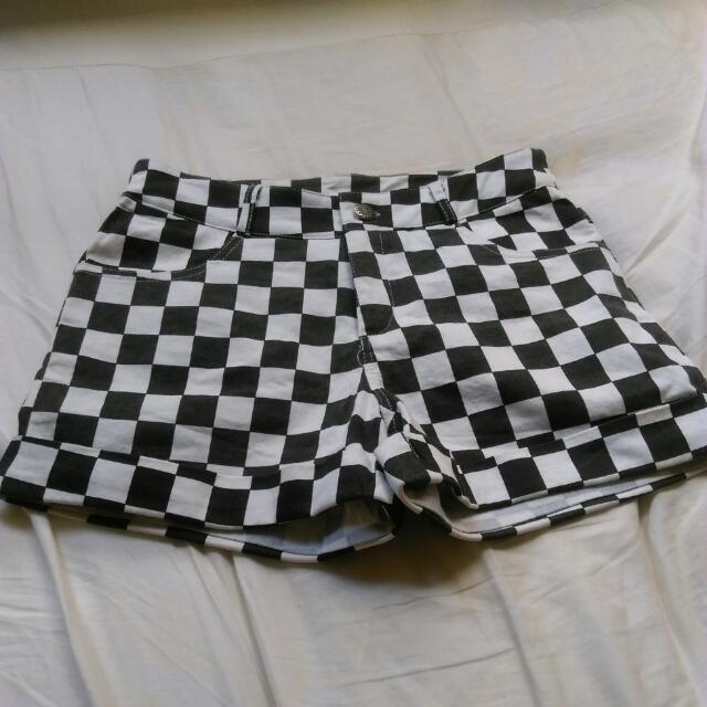 (近全新)格子短褲