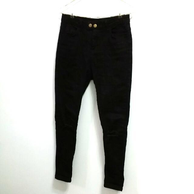 膝蓋破壞感黑色牛仔褲