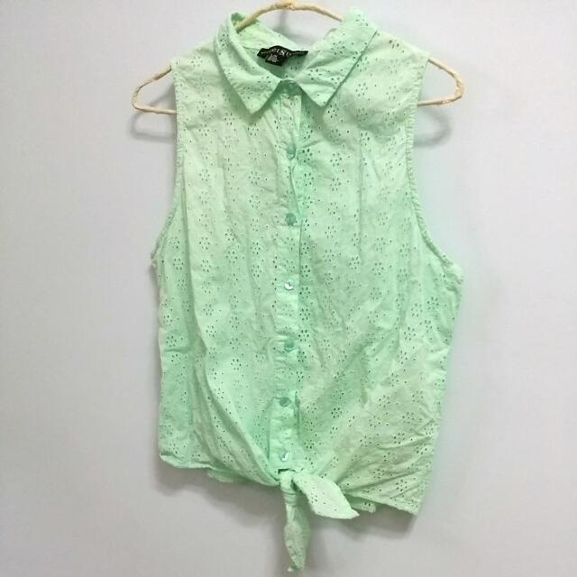 薄荷綠布蕾絲綁結無袖襯衫