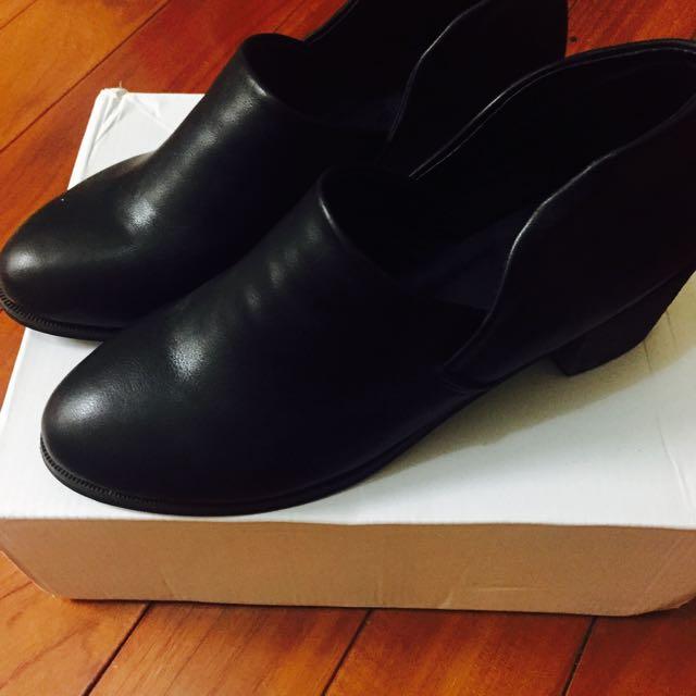 🎉免運✌️黑色低跟包鞋