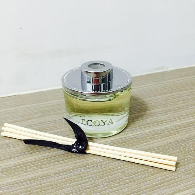 ECOYA 室內薰香瓶(高雅香蓮 Lotus Flower)全新200ml 原價2380ㄧ般可維持6-8個月 但其實放到ㄧ年半以上都可以