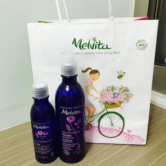 Melvita 玫瑰花粹 及 玫瑰美容液 用過兩三次 花粹蓋子移失 微風購入 原價2160 價可議 送試用包