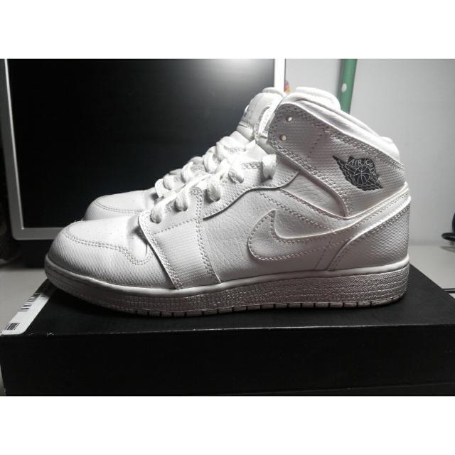 Nike Air Jordan 1 mid BG  白 AJ1 AJ