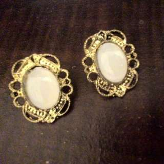 白珠復古耳環