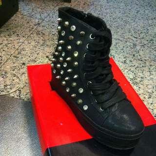 全新龐克鉚釘鬆高鞋