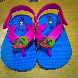 MINI-K. 小魚夾腳拖鞋 (全新品 cm14)