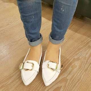 韓國真皮金釦尖頭平底鞋