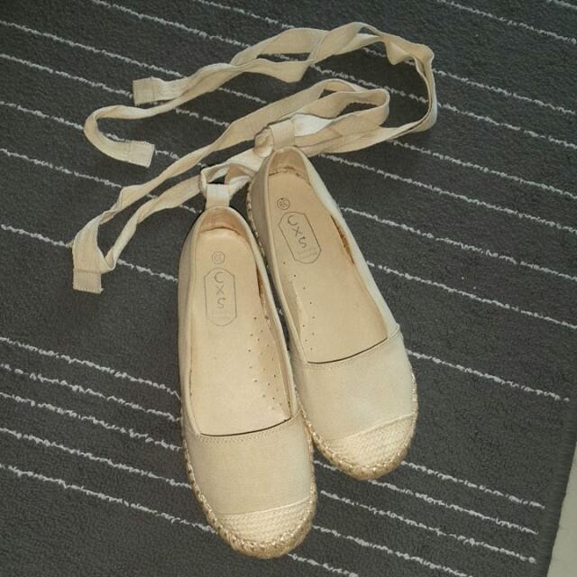 綁帶繞踝米色娃娃布鞋39號