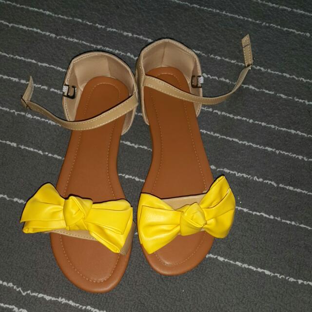 黃色蝴蝶結平底涼鞋39號