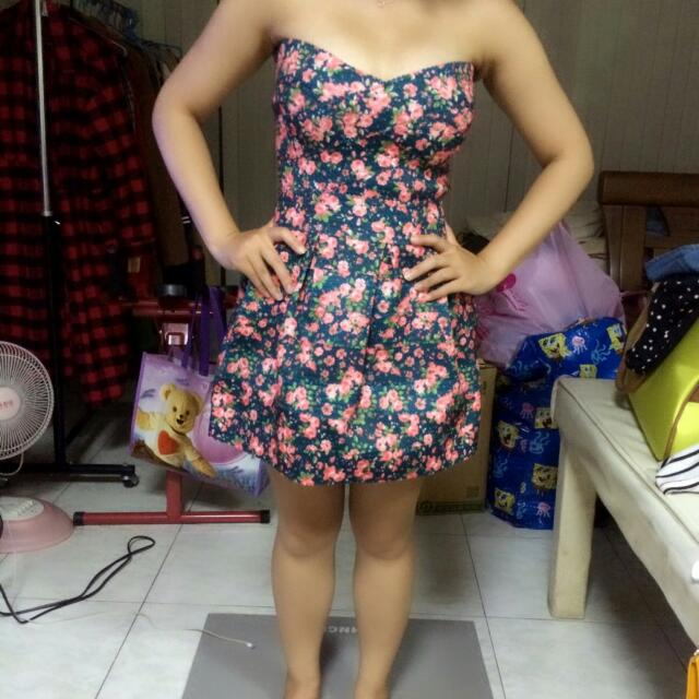 全新僅試穿綠色小碎花繃帶洋裝