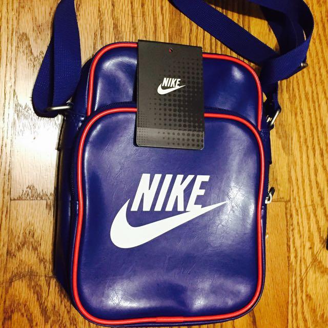 Nike斜背袋