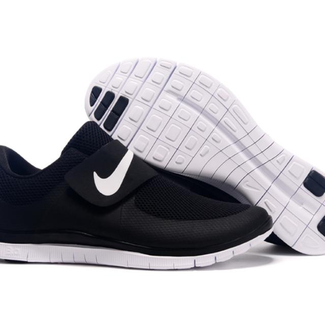 finest selection 5c0ea db4c9 Nike Free Socfly 3.0 Sexy Black