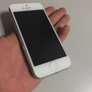 Damaged Iphone 5 16 GB