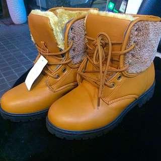 全新雪地靴39號(日本購入)
