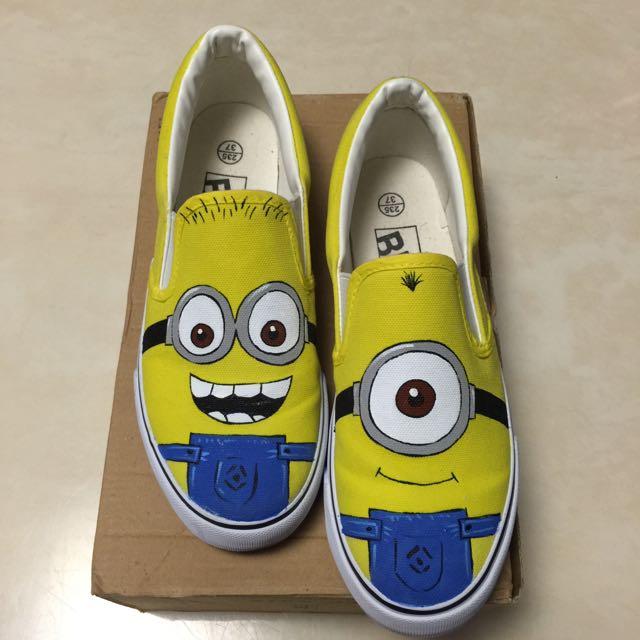 只穿一次(含運價),小小兵手繪鞋/家福鞋~23.5(37)號