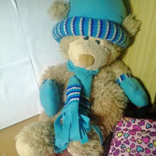 圍巾小熊娃娃