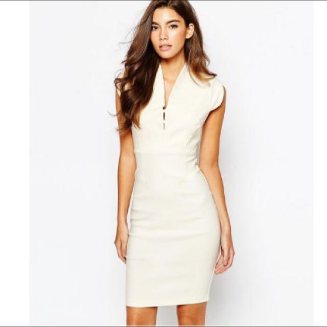 全新 英國名品Vesper V Neck Midi 氣質象牙白V領合身洋裝