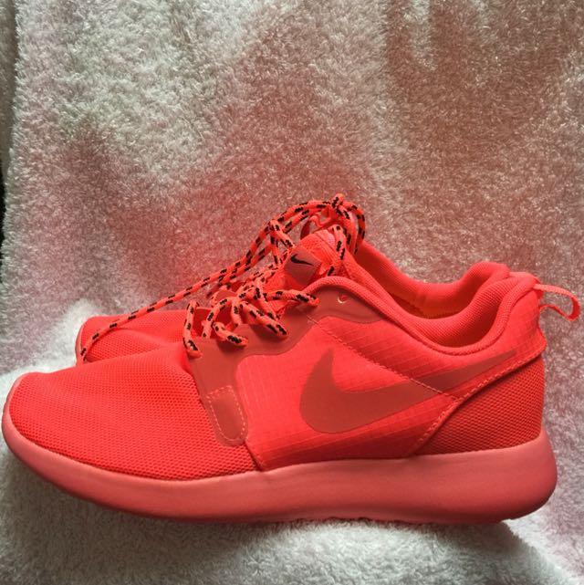 全新)Nike螢光橘慢跑鞋