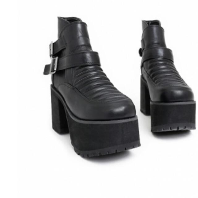 VII&CO全新皮質壓條雙扣環繫帶泡棉底短靴