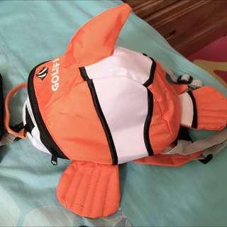 最可愛最特別的(小丑魚)防走失包喔,因為數量有限所以我只進一個唷,有興趣的人趕快留言給我喔~