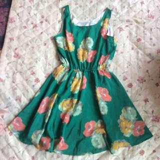 全新 綠色花花洋裝