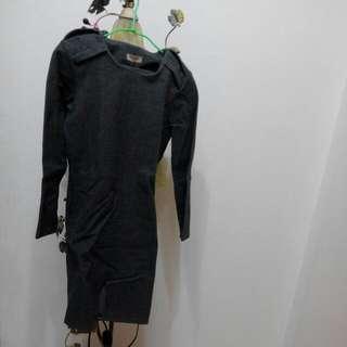 墊肩灰色冬天下擺半橢圓設計洋裝