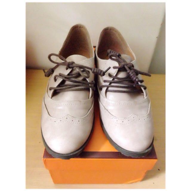 淡粉色帥氣鞋