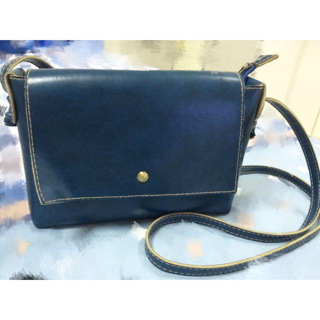 深藍側背小包包