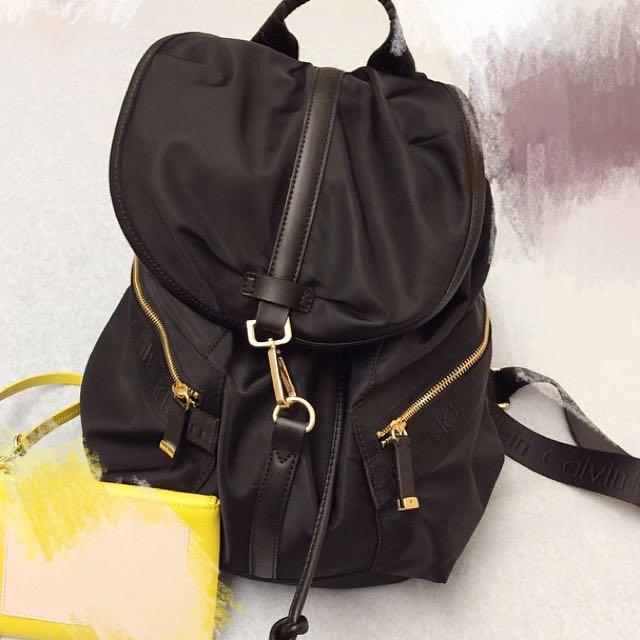 徵收好物— 黑色包包,相同的或類似款