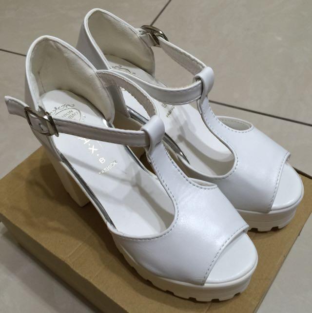 白色高跟鞋 含運✔️