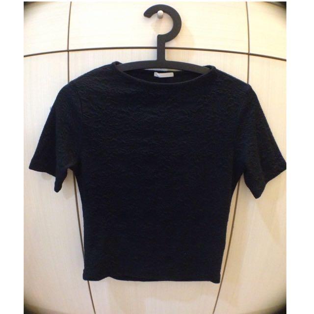 GU 全新 黑色T恤(保留)