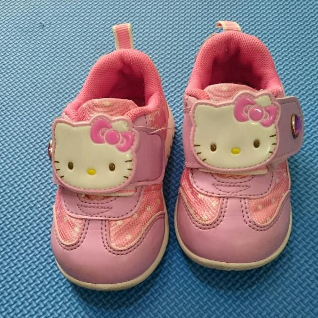 Hello Kitty 學布鞋