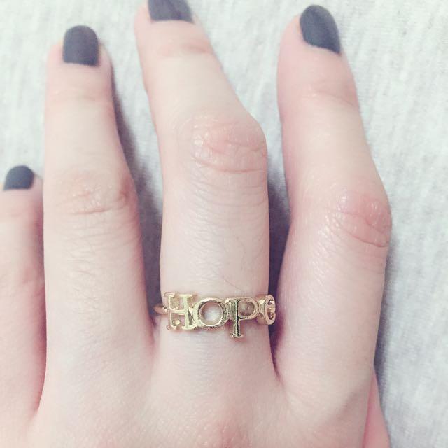 金色HOPE戒指